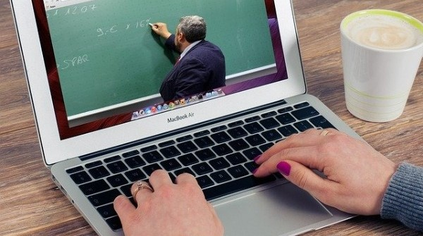 Multiple challenges associated with online education; Too many Cooks?